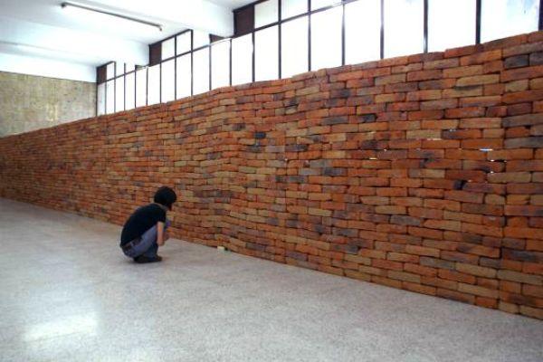Un muro que recuerda el impacto de un libro se vuelve viral por las redes sociales