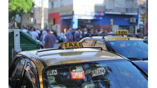 Preocupados. Los taxistas también vienen siendo blanco de la delincuencia. (foto: Sebastián Suárez Meccia)