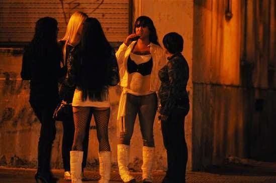 prostitutas transexuales en la calle prostitutas en santiago