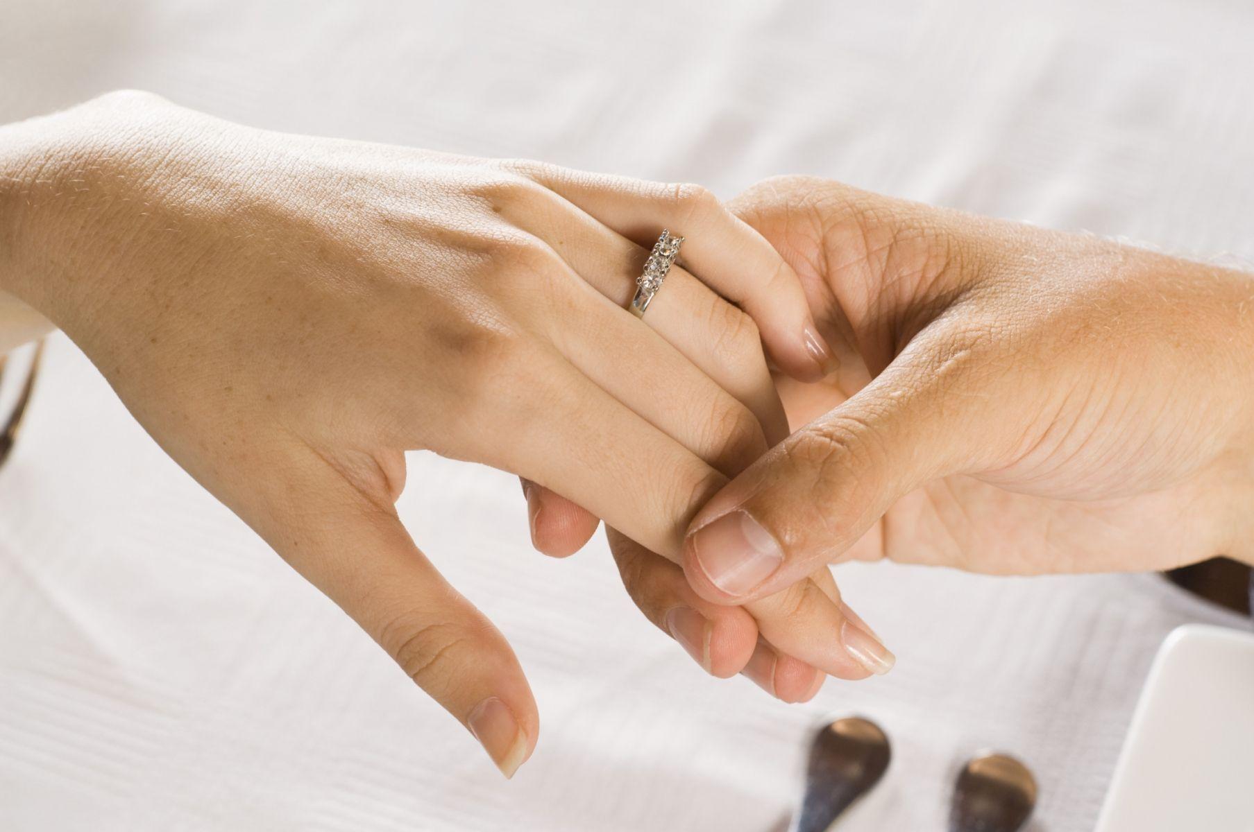 El matrimonio es bueno para la salud a partir de los cuarenta años