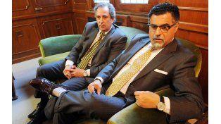 Gustavo Feldman (derecha)