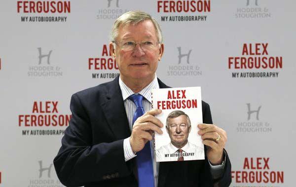 El entrenador del Manchester presentó su libro de memorias