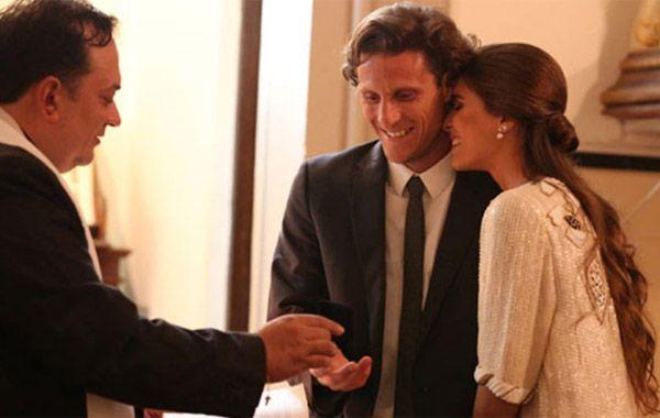 La pareja se casó por civil en Montevideo y ya se publicaron las primeras imágenes de la boda.