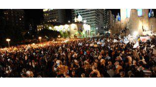 La manifestación de los rosarinos fue multidudinaria y sin consignas políticas. (Foto: Francisco Guillén).