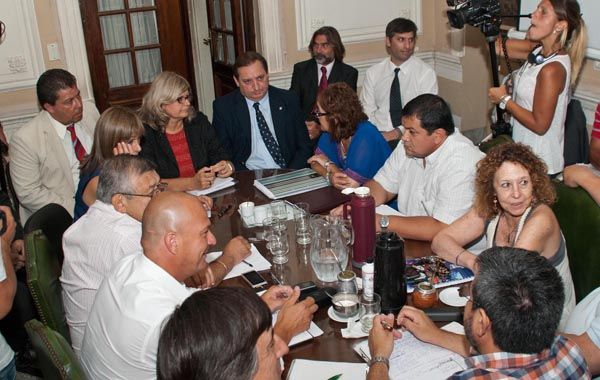 Los ministros Balagué y Genesini abrieron el debate con los gremios docentes. (Foto: E. Rodríguez Suárez)