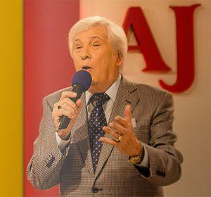 Alberto J. Llorente, ícono de la radio y la TV, será declarado locutor distinguido de Rosario