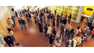 Mucho público. Los espacios del museo exponen desde ayer interesantes objetos y estarán abiertos hasta el 15 de octubre.
