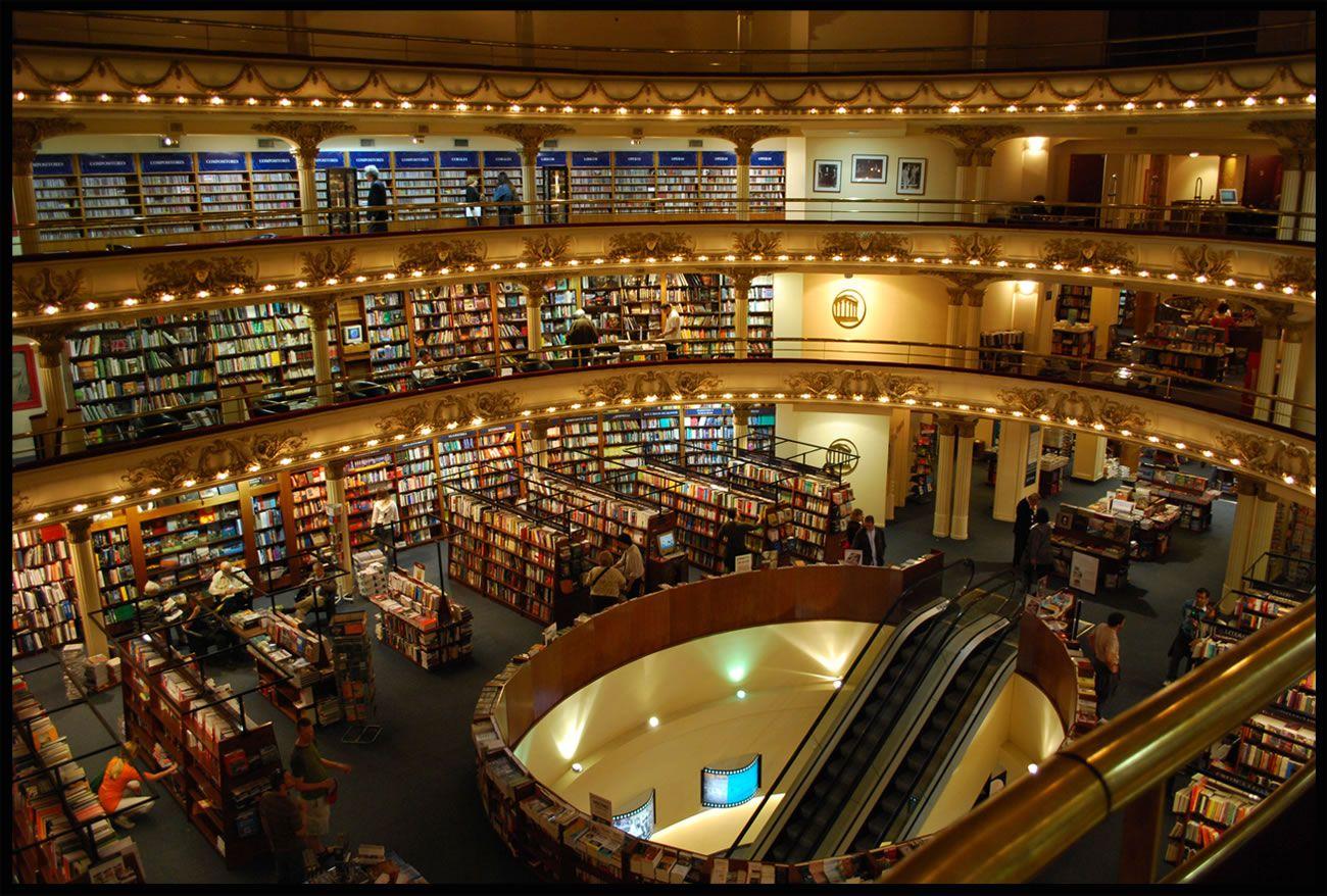 La librería El Ateneo es considerada la más grande y elegante de Sudamérica.