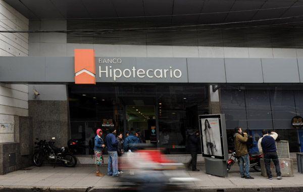 Hoy comenzaron las entrevistas para los créditos en el Banco Hipotecario. (Foto: A. Amaya)
