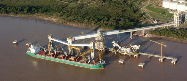 La metodología de la intersindical sería poner su logística en parar toda la actividad fluvial. (foto: Marcelo Bustamante)