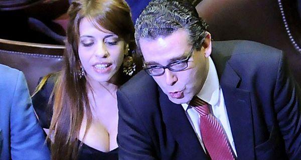 Las fotos sensuales de Victoria Donda en la asunción de Diputados
