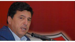 Passarella propuso sacarle la capitanía de la Selección a Messi y dársela a un ex River