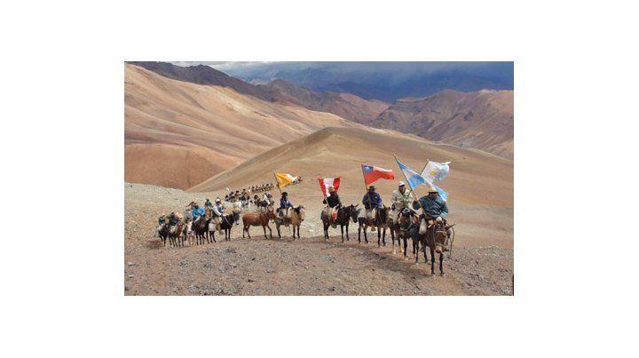 Epopeya de 170 almas en los Andes tras los pasos de San Martín
