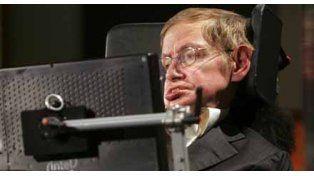 Stephen Hawking tuvo que ser internado por una crisis respiratoria