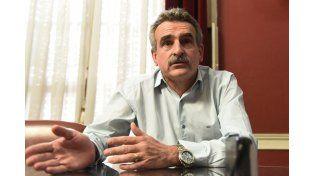 El legislador del Parlasur, Agustín Rossi, cargó contra el presidente Mauricio Macri por no hablar de los despidos en GM.