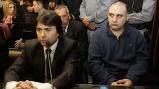 Jorge Mangeri (derecha), escoltado por su abogado Adrián Tenca, escuchó la sentencia sin inmutarse.