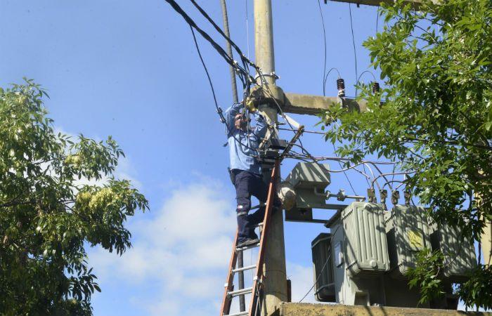 Alto impacto. La suba de tarifas eléctricas acelera la inflación.
