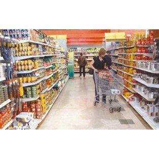 En las góndolas. Tras un 2014 recesivo, el Indec informó que repuntaron las ventas en los supermercados.