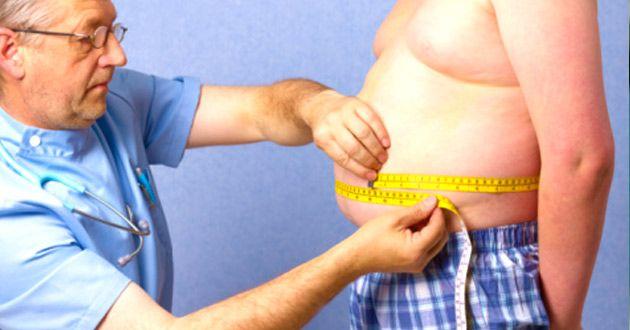 Hay sobrepeso cuando el índice de masa corporal (IMC) se halla entre los percentilos 85 y 95. Y obesidad cuando el IMC supera el percentilo 95.