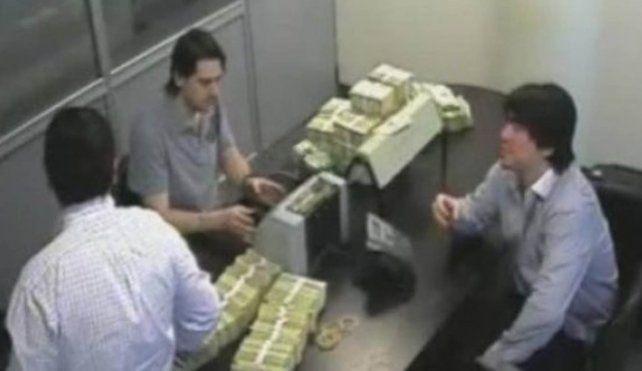 Recuento. El video en el que se ve al hijo de Báez contando dólares y euros en La Rosadita reimpulsó la causa.