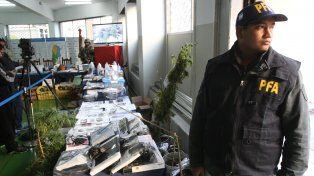 In fraganti. El DJ y los otros ocho detenidos tenían drogas hechas con hongos