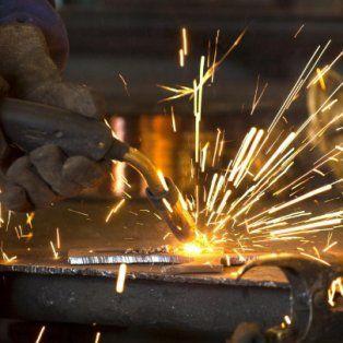 Los metalúrgicos sostienen que reducir los costos laborales no es la solución.