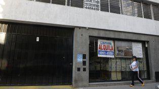 Comercios del centro se ofrecen en alquiler.