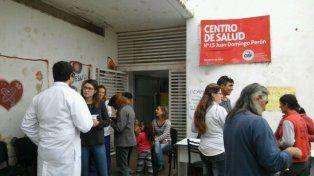 Cuatro centros de salud de Rosario están de paro por deudas salariales