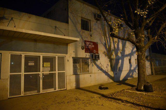 Cerrado. En las puertas del centro de salud de Cabín 9 se repiten enfrentamientos y tiroteos entre bandas.