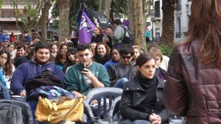 el reclamo masivo a favor de la universidad publica se hizo escuchar en rosario