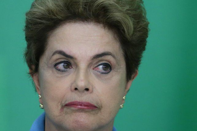 Trago amargo. Dilma desalojó anoche su despacho en el Planalto y hoy dará un mensaje al país.