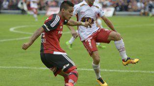 Diego Osella optó por Tevez para sumar a muchos jugadores ofensivos.