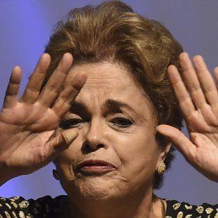 Dilma Rousseff fue suspendida por 180 días y en su lugar asumirá Michel Temer.