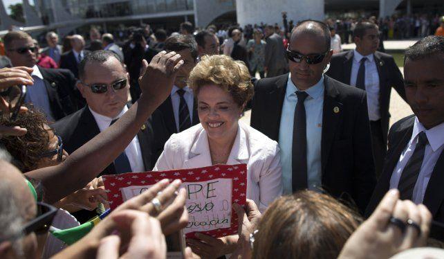 Dilma fue suspendida como presidenta de Brasil y será sometida a juicio político