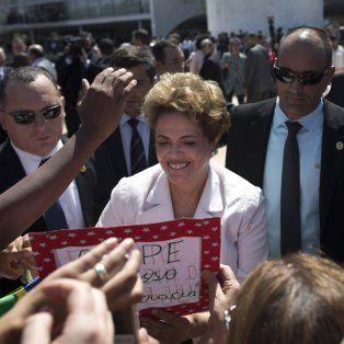 dilma fue suspendida como presidenta de brasil y sera sometida a juicio politico