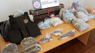 Secuestro de armas y municiones en un allanamiento realizado en Santa Fe.