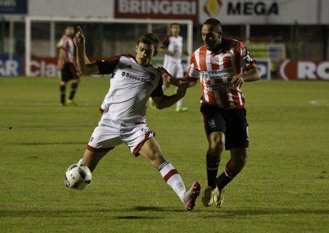 Con muy poco Newells marcó clarísimas diferencias y goleó al humilde Sansinena por 5-2