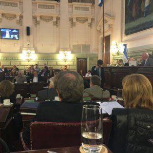 fracaso el debate en la legislatura provincial para delegar en los intendentes la facultad para fijar e precio del boleto del transporte