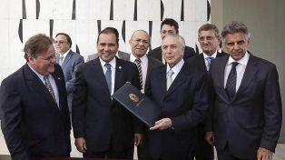 Nuevo gabinete. Temer junto a sus ministros
