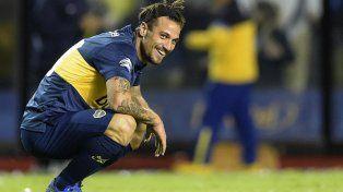 Daniel Osvaldo discutió con el entrenador de Boca y hasta fumó en el vestuario.