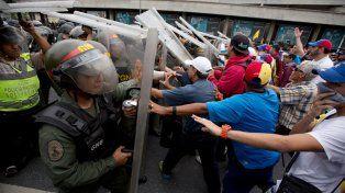 Choques. Una marcha opositora fue impedida esta semana por la policía.