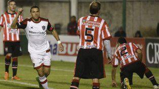 El capitán rojinegro marcó un triplete en Copa Argentina