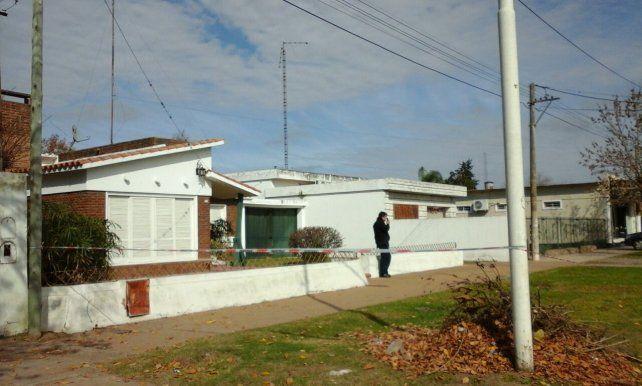 La casa de calle Mitre en Oliveros donde fue encontrada asesinada la chica.