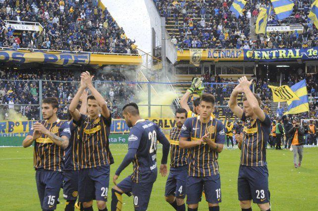 Dos equipos. En el campo los que jugaron contra Quilmes. En el palco lo que actuarán el jueves por la Libertadores.