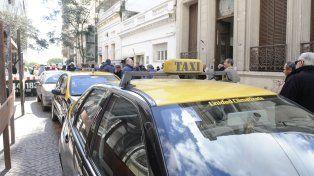 El municipio quiere la tarjeta Movi en los taxis.