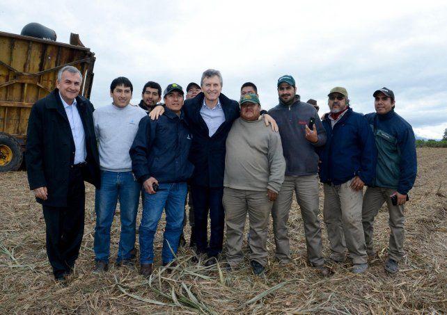 Macri entregó entregó viviendas a trabajadores de la firma Ledesma
