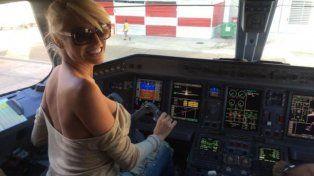 La vedette está acusada de poner en riesgo un avión.