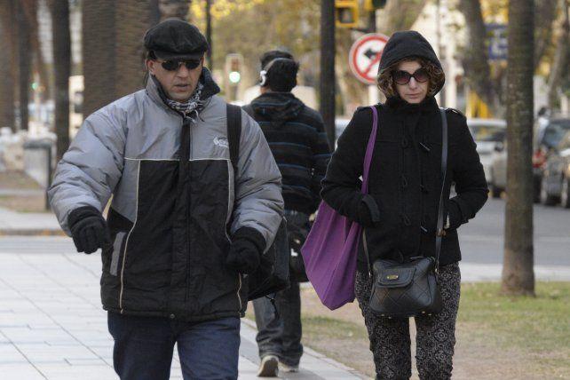 Rosario recibe el día con una temperatura que no supera los cuatro grados