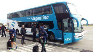 El plantel de Rosario Central llegó a Fisherton para embarcar a Medellín
