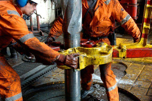 Trabajadores del Petróleo y gas de Tierra del Fuego amenazan con cortar el suministro al continente.